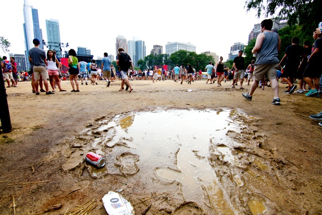 rain shaltz lolla 5  Lollapalooza Becomes Mudapalooza After Severe Storm Evacuation