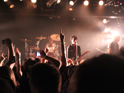 gdecho1 Green Day Surprise Los Angeles Fans With Small Club Gig, Debut New Music