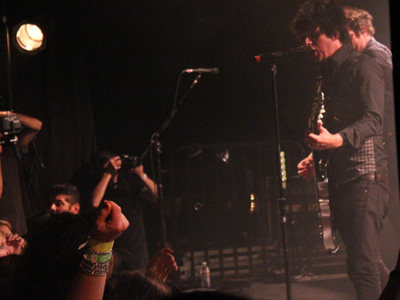 gdecho2 Green Day Surprise Los Angeles Fans With Small Club Gig, Debut New Music