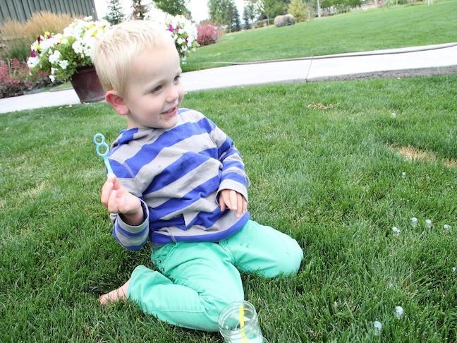 DIY Family Fun: Coloured Bubbles