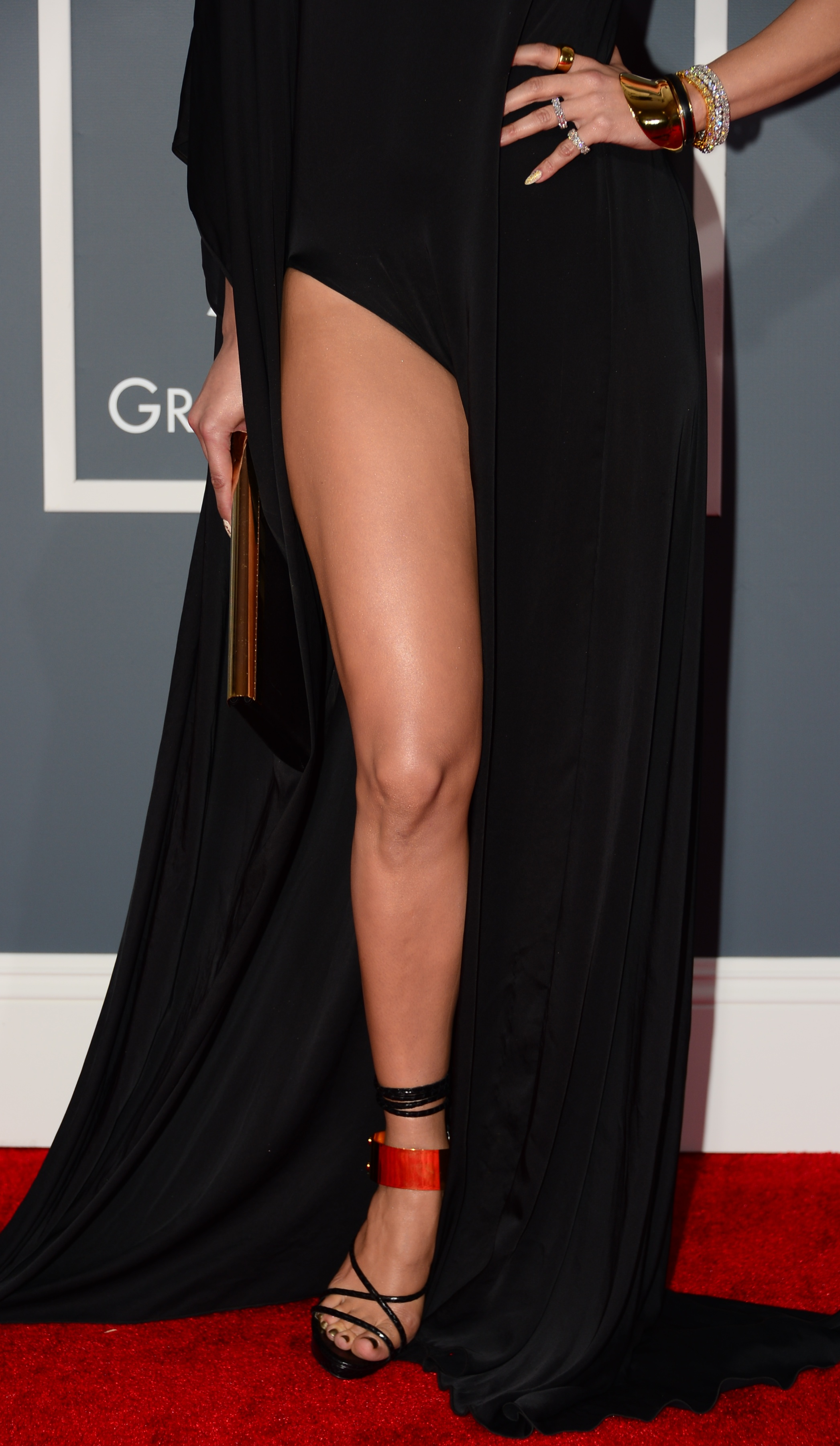 161402375 JLos Leg Stumps Cleavage at GRAMMYS