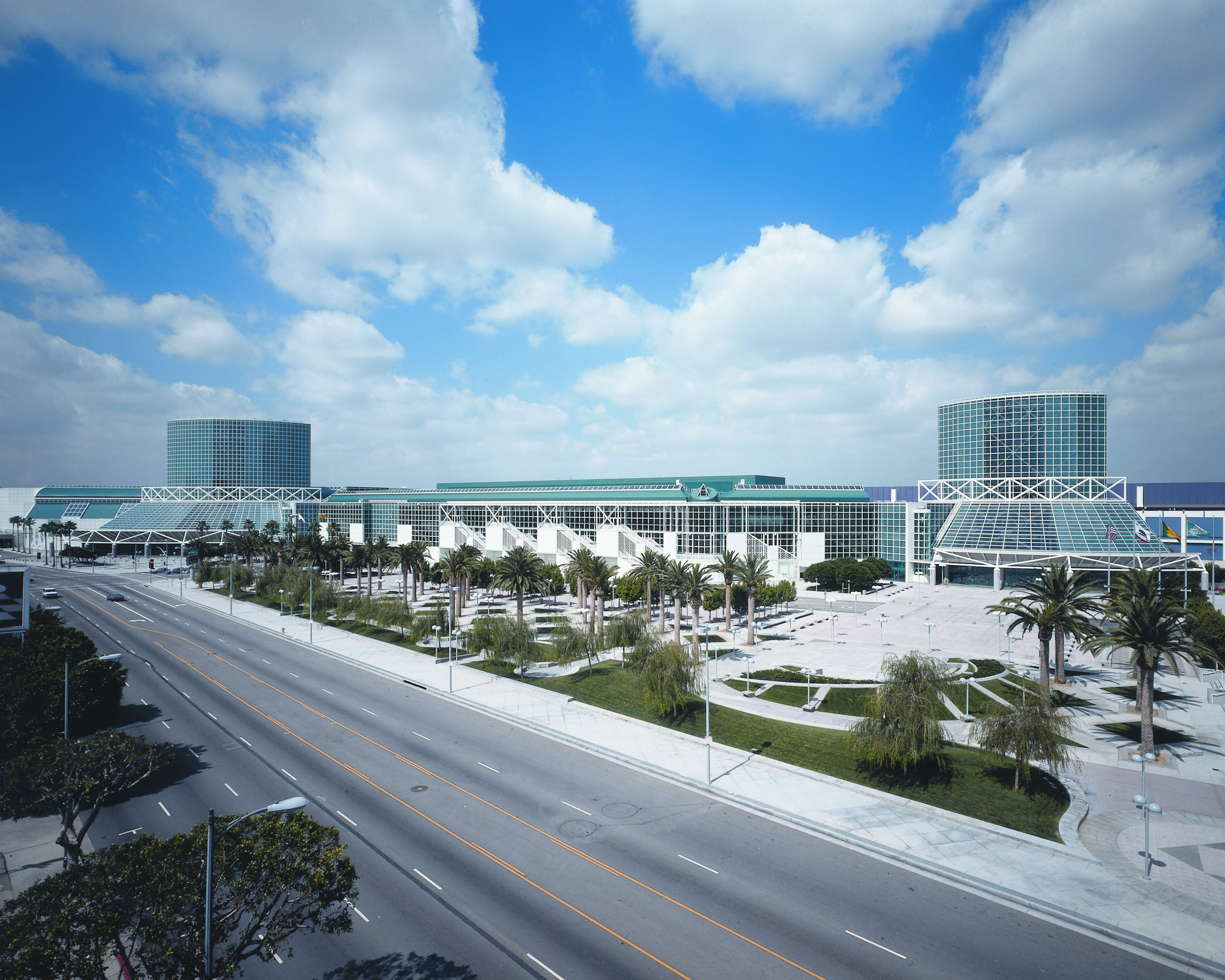 Top leed certified coastal destinations for the summer us the leed certified los angeles convention center hosted greenbuild 2016 xflitez Image collections