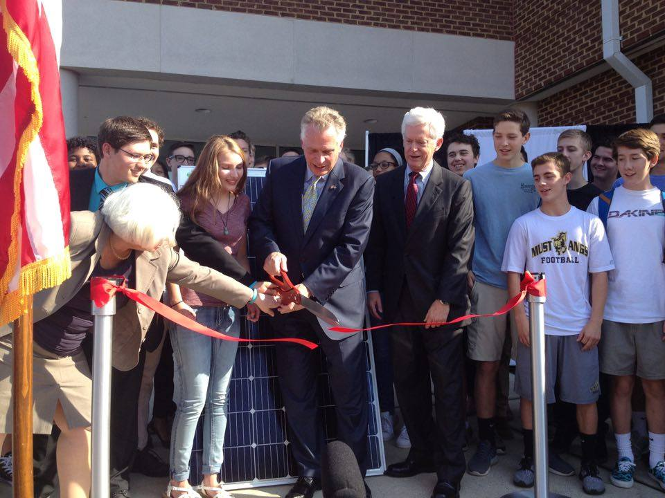 Terry McAuliffe dedicates the solar panels at ACPS