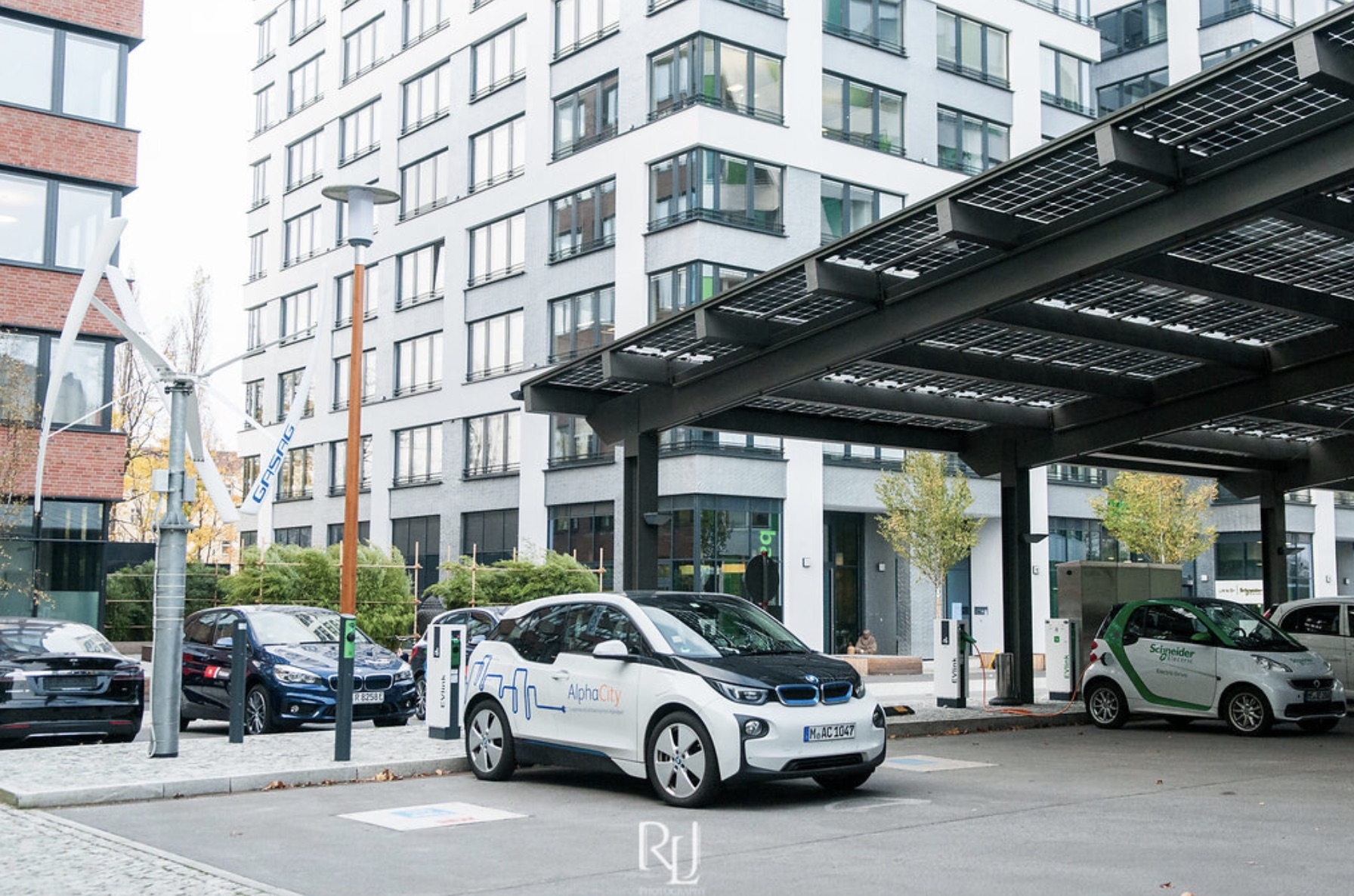 Germany encourages electric cars as part of its Parksmart strategy