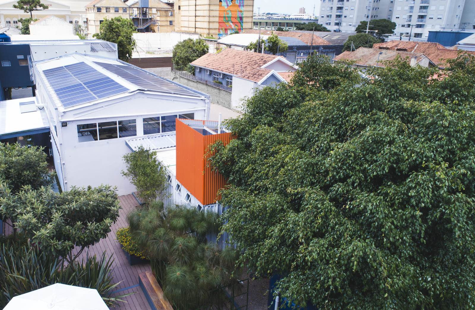 Petinelli Curitiba LEED Platinum and LEED Zero offices
