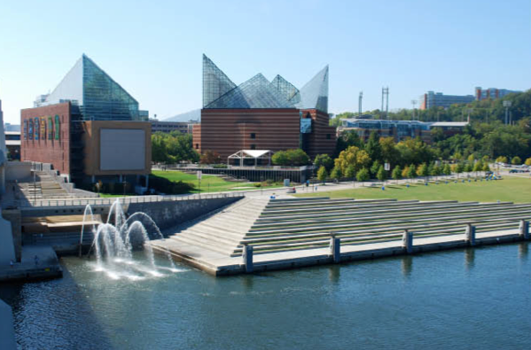 Tennessee Aquarium at Chattanooga?s downtown riverfront (Courtesy of ...