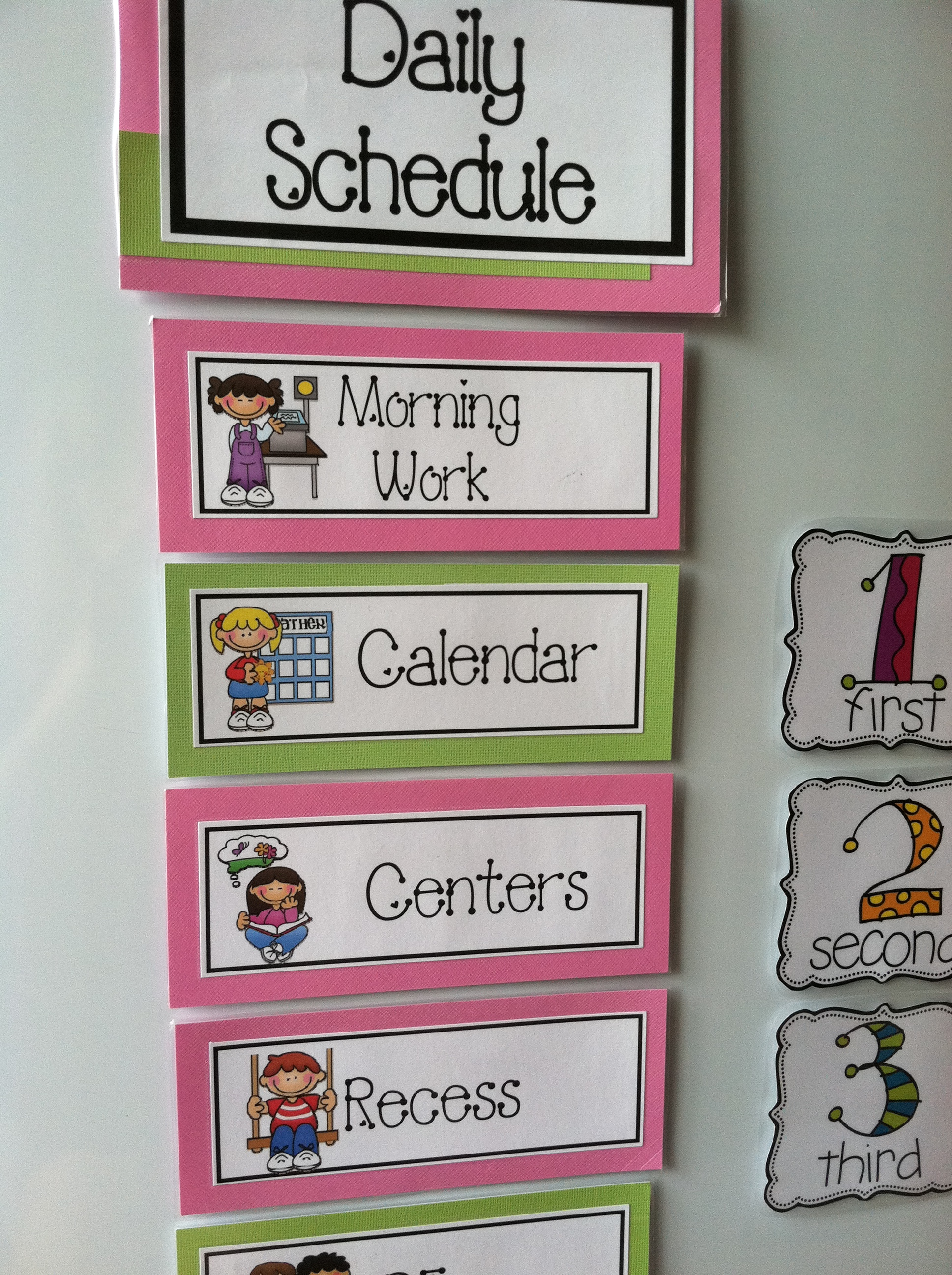 Classroom Routine Ideas ~ How to organize for the first day of kindergarten a guide